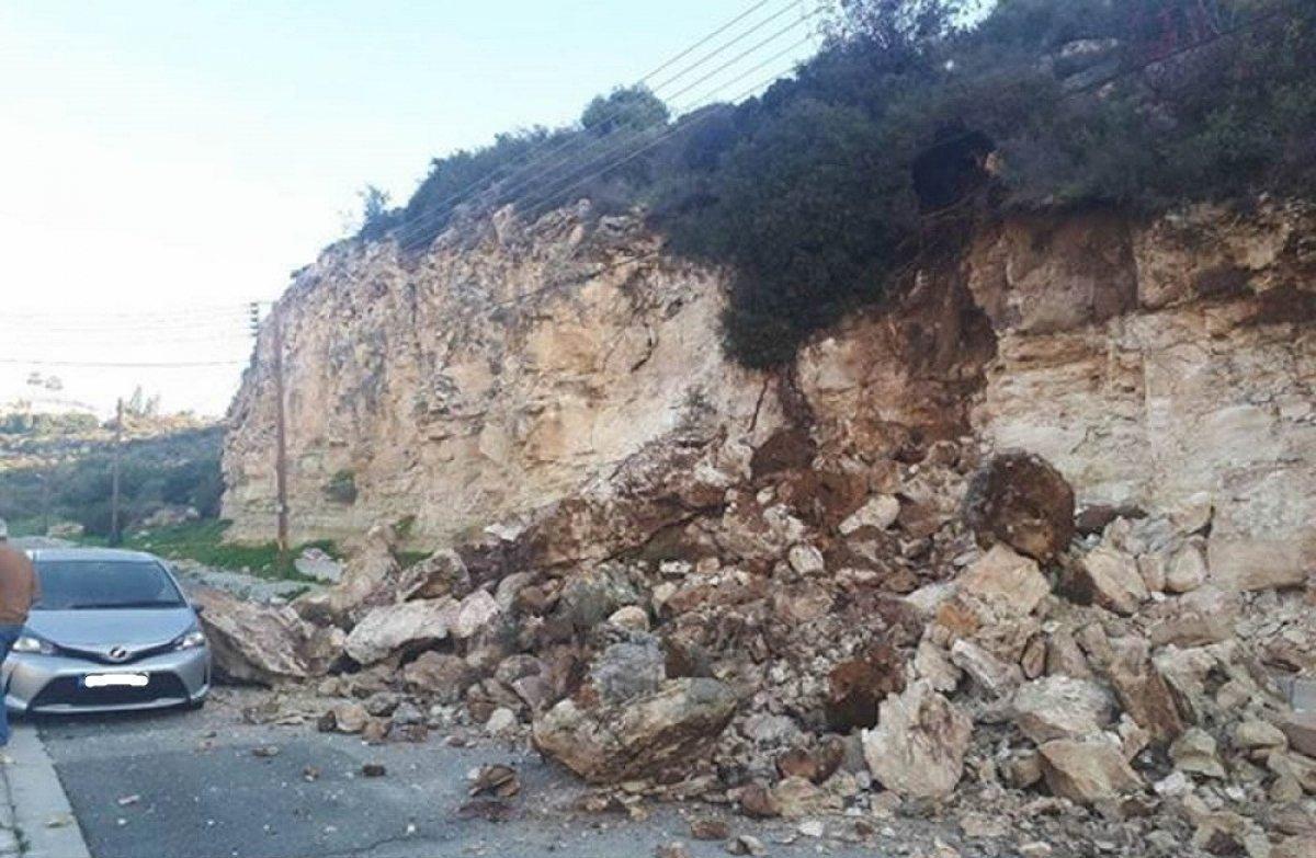 Λεμεσός: Εκτεταμένες ζημιές σε οχήματα από πτώση βράχων (Εικόνες)