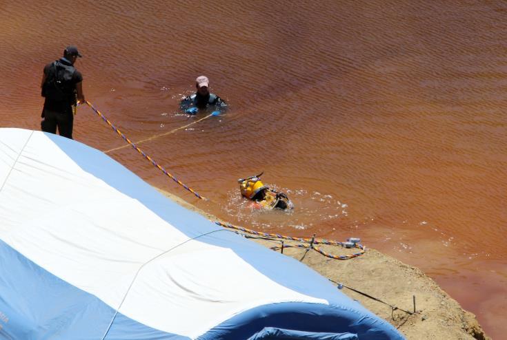 Χωρίς αποτέλεσμα και σήμερα οι έρευνες στην Κόκκινη Λίμνη