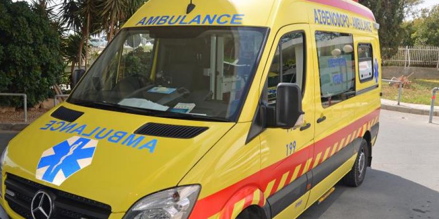 Μάχη για τη ζωή δίνει 71χρονη που παρασύρθηκε από όχημα στην Πάφο