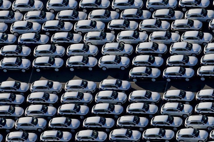 Μείωση 7,7% στις πωλήσεις μηχανοκινήτων οχημάτων