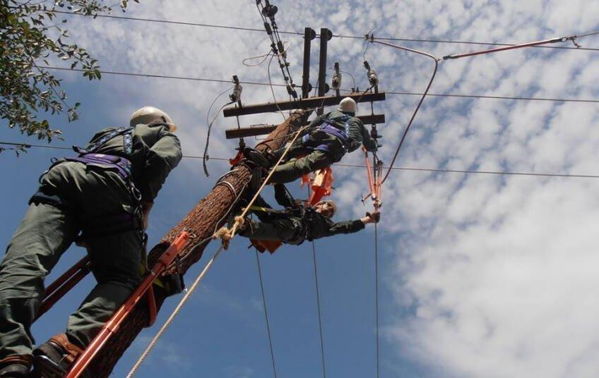 Αποκαθίσταται η ηλεκτροδότηση στις περιοχές που επηρεάστηκαν