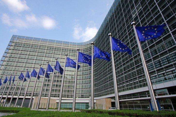 Έτοιμη να συνδράμει στις συνομιλίες για Κυπριακό η Κομισιόν