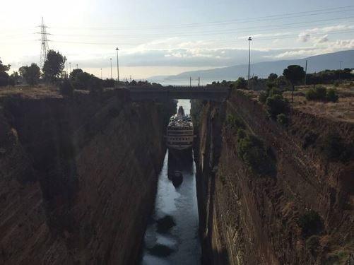 Το μεγαλύτερο πλοίο που πέρασε ποτέ από τη Διώρυγα της Κορίνθου