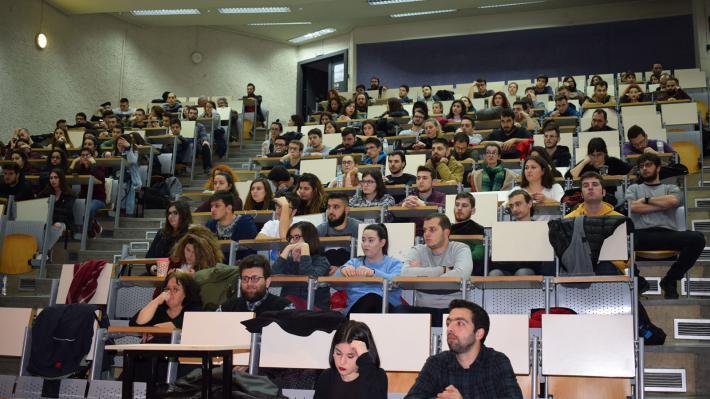 Θα λάβουν sms όσοι φοιτητές δικαιούνται το επίδομα των 150 ευρώ