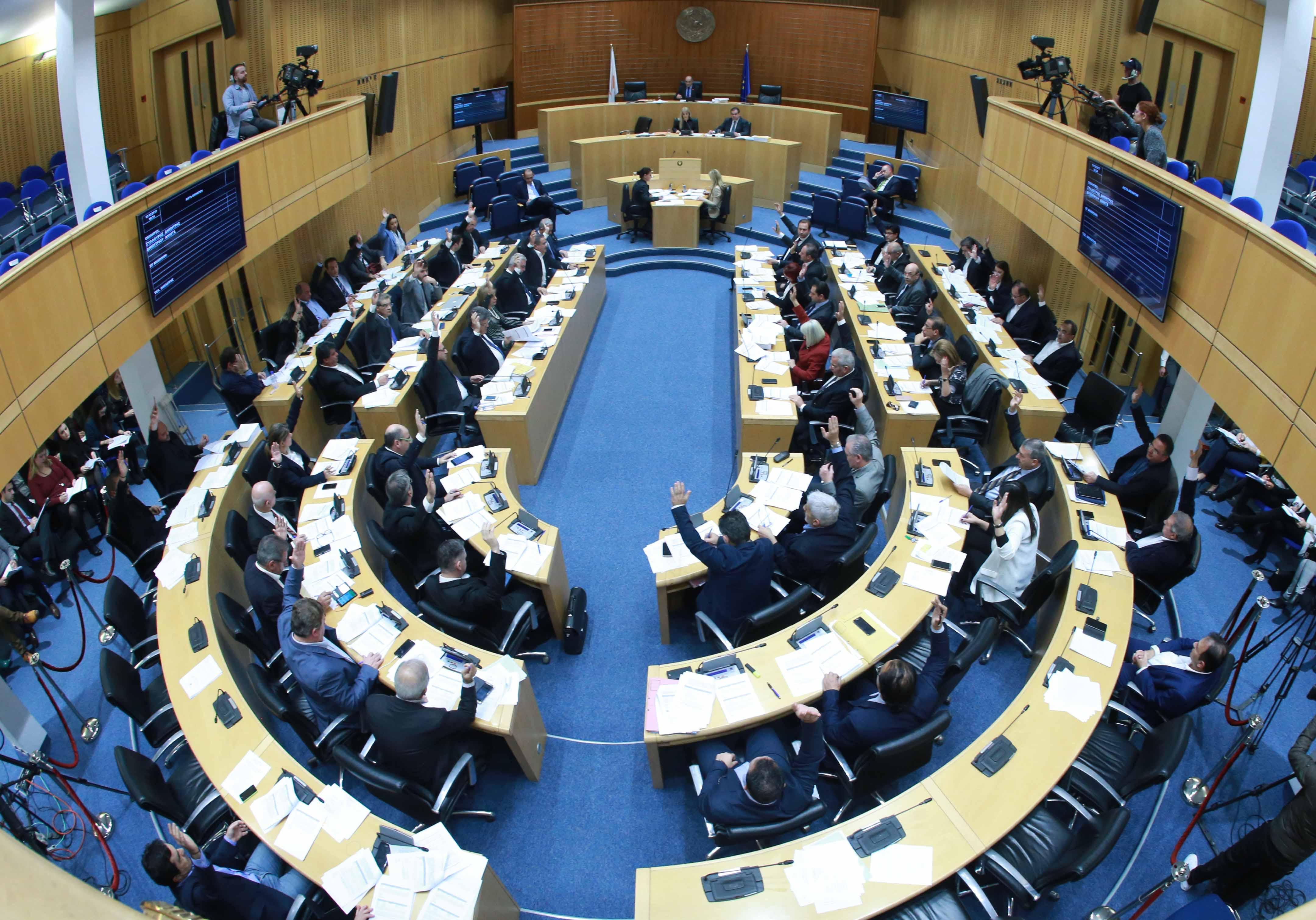 Μοναχική πορεία Κυβέρνησης - ΔΗΣΥ για τους επόμενους 17 μήνες