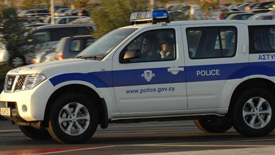 Στη Βουλή οι αστυνομικοί που στάθμευαν τα περιπολικά σπίτι τους