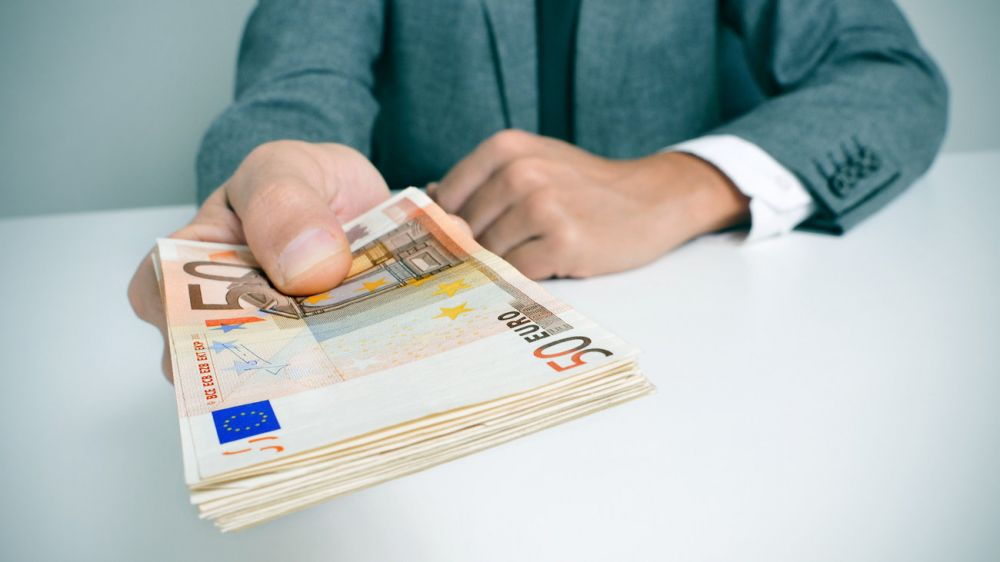 Mοίρασε λεφτά η Κυβέρνηση -Ποιοι πήραν επιδόματα