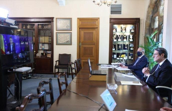 Τηλεδιάσκεψη ΠτΔ με Μισέλ και αρχηγούς κρατών για κονδύλια EE