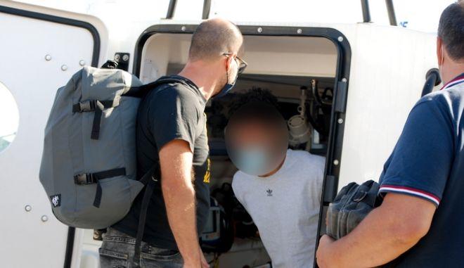 Φολέγανδρος: Εσπευσμένα στο νοσοκομείο Νάξου ο 30χρονος δολοφόνος