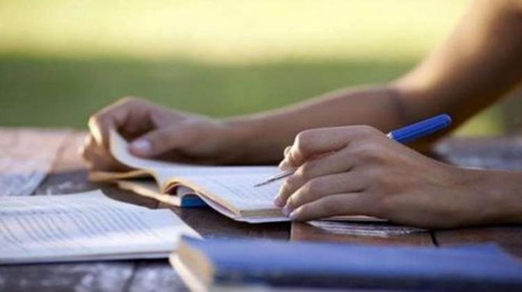 Οι εξετάσεις Τετραμήνων φέρνουν νέα κρίση στην Παιδεία