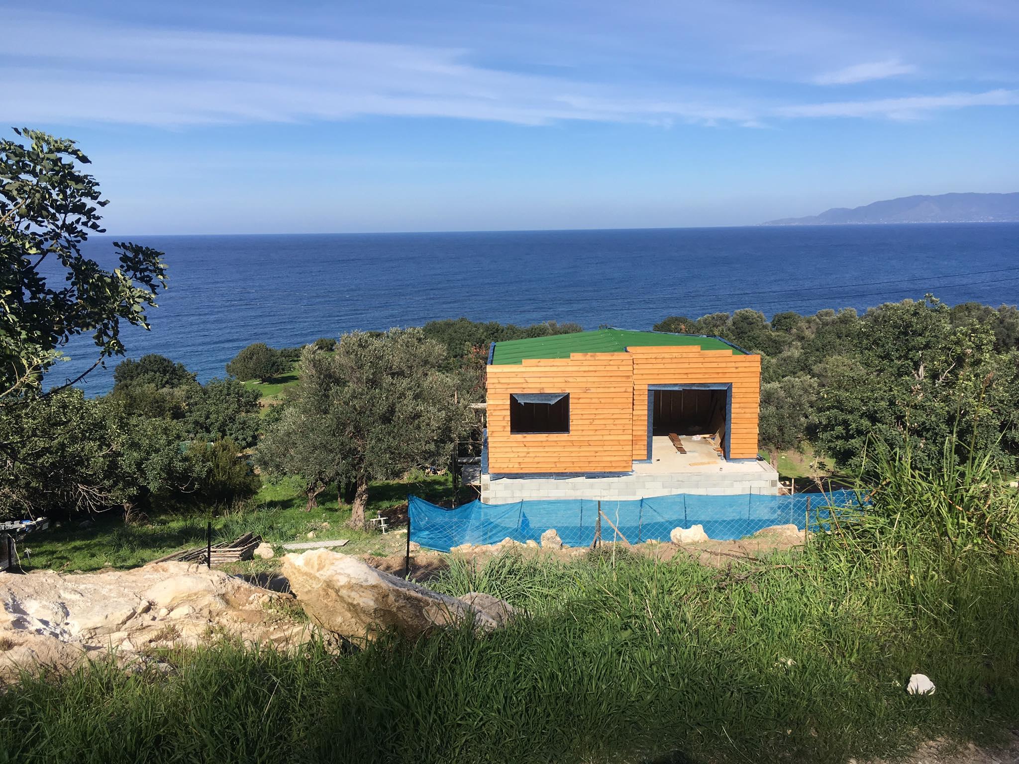 В Акамасе на берегу моря строится новый кемпинг