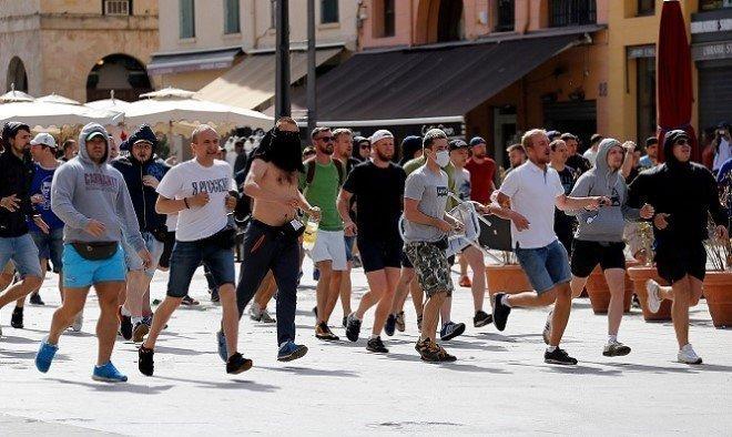 ... πως είχαν προετοιμάσει από πριν τις επιθέσεις στη Μασσαλία. «Είμαστε  σκληροί πολεμιστές. Δεν είμαστε αγοράκια που φοράνε Lacoste ή γυναικεία  ρούχα» 536c82e40a0