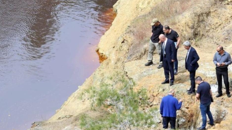 f4496f60ab Timeline. Νεότερη ενημέρωση. Φέρεται πως βαλίτσα που πέταξε ο «Ορέστης»  εντοπίστηκε στη κόκκινη λίμνη.