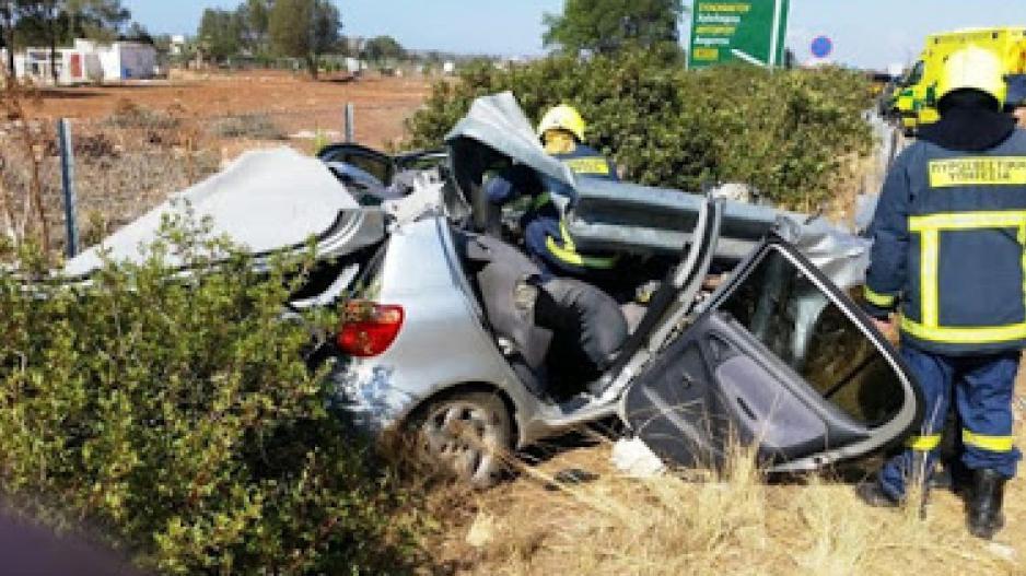 Θήβα: Σοβαρό τροχαίο με ένα νεκρό και δυο σοβαρά τραυματίες(φωτο)